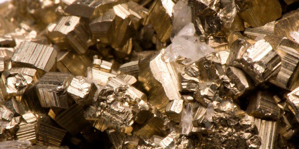 Relación entre la investigación científica y la industria minera