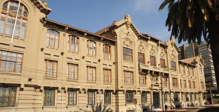 SMI-ICE-Chile firma convenio marco con Pontificia Universidad Católica de Valparaíso